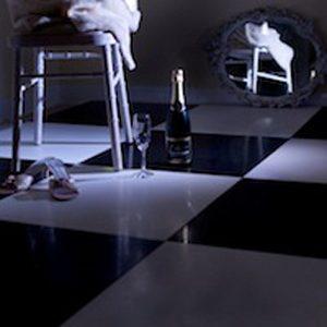 DANCE FLOOR BLACK / WHITE 14' X 14'